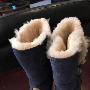 Bearpaw sherpa navy boots